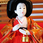 Court attendant hina doll