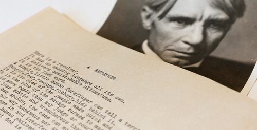 An apparently unpublished and previously unknown poem by Carl Sandburg that addresses the topic of guns has been discovered at the University of Illinois Rare Book and Manuscript Library.