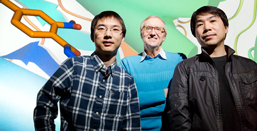 University of Illinois chemistry professor Eric Oldfield, center, graduate student Wei Zhu, left, research scientist Yonghui Zhang and their colleagues at UC San Diego discovered a compound that cured drug-resistant Staphylococcus aureus infection in mice.