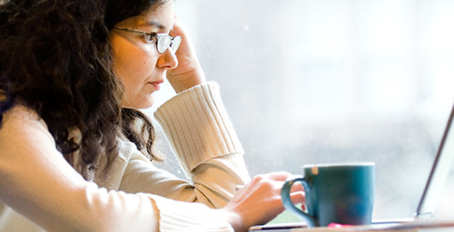 A new study suggests taking brief mental breaks improves performance on a prolonged task.