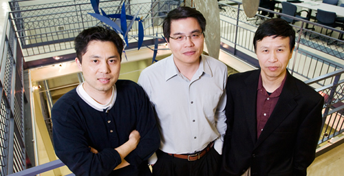 From left, Yang Xiang, professor of molecular and integrative physiology; Min-Feng Yu and Ning Wang, both professors of mechanical science and engineering, have developed a membrane-penetrating nanoneedle for the targeted delivery of one or more molecules into the cytoplasm or the nucleus of living cells.