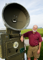 Principal investigator Ronald Larkin and his colleagues used a Korean War-era low-power-density tracking radar to detect and record the discrete flight details of two birds at a time.