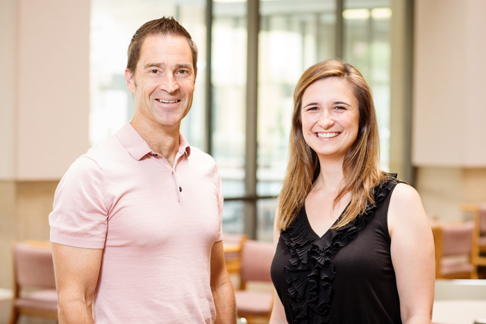 University of Illinois psychology professor Brent Roberts and postdoctoral researcher Rodica Damian conducted the largest study yet of birth order and personality. They found no meaningful relationship between birth order and personality or IQ.