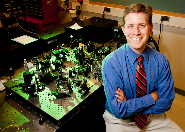 Stephen Boppart, an Illinois engineering professor and a medical doctor, led a team that developed a tool to help surgeons determine the extent of cancerous tissue to remove.