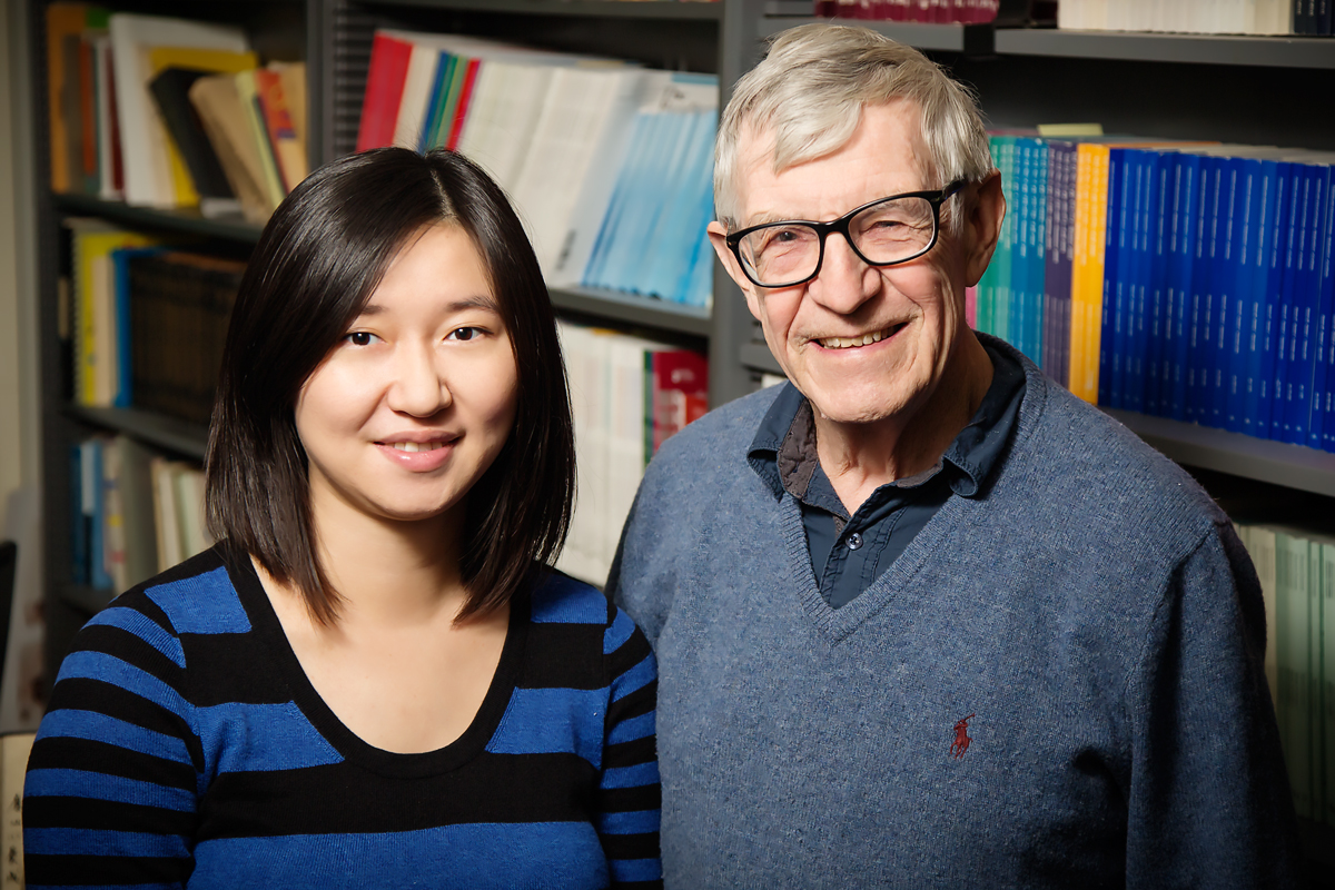 Photo of Xin Zhang and Richard C. Anderson Working in collaborative groups may prepare children to make more thoughtful, reasoned decisions than traditional teacher-led instruction, suggests a new study by Xin Zhang, Richard C. Anderson and Joshua A. Morris of the University of Illinois. Zhang is a doctoral student in psychology, Anderson is director of the Center for the Study of Reading, and Morris is a graduate student.