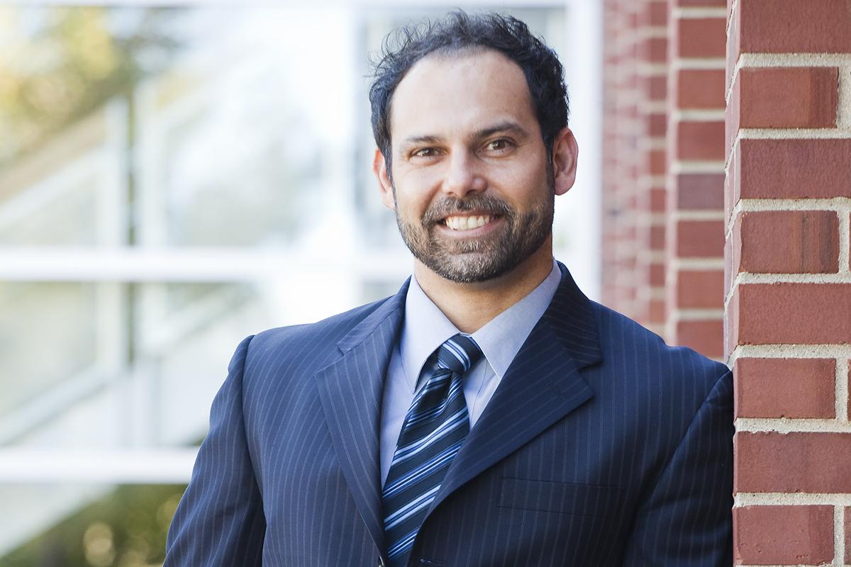 Photo of Robin Kar, a University of Illinois law professor