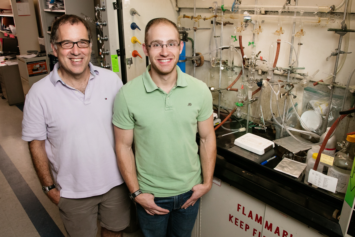 Illinois professor Andrew Gerwith and graduate student Jason Varnell developed a method to isolate active catalyst nanoparticles from a mixture of iron-containing compounds, a finding that could help researchers refine the catalyst to make fuel cells more active.