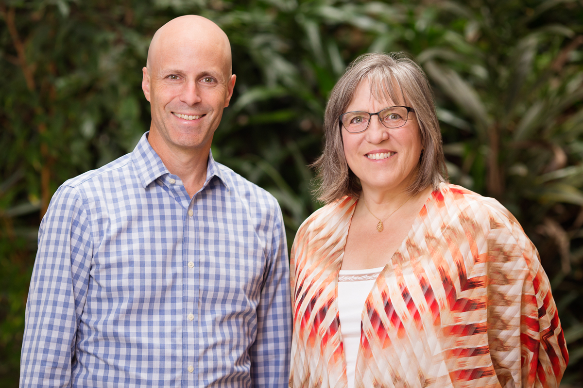 "Psychology professor Daniel Simons, left, educational psychology professor Elizabeth Stine-Morrow, right, and their colleagues conducted a comprehensive review of studies cited by proponents of brain-training products. The researchers found ""no compelling evidence"" that brain-training games provide cognitive benefits that are relevant to daily life."
