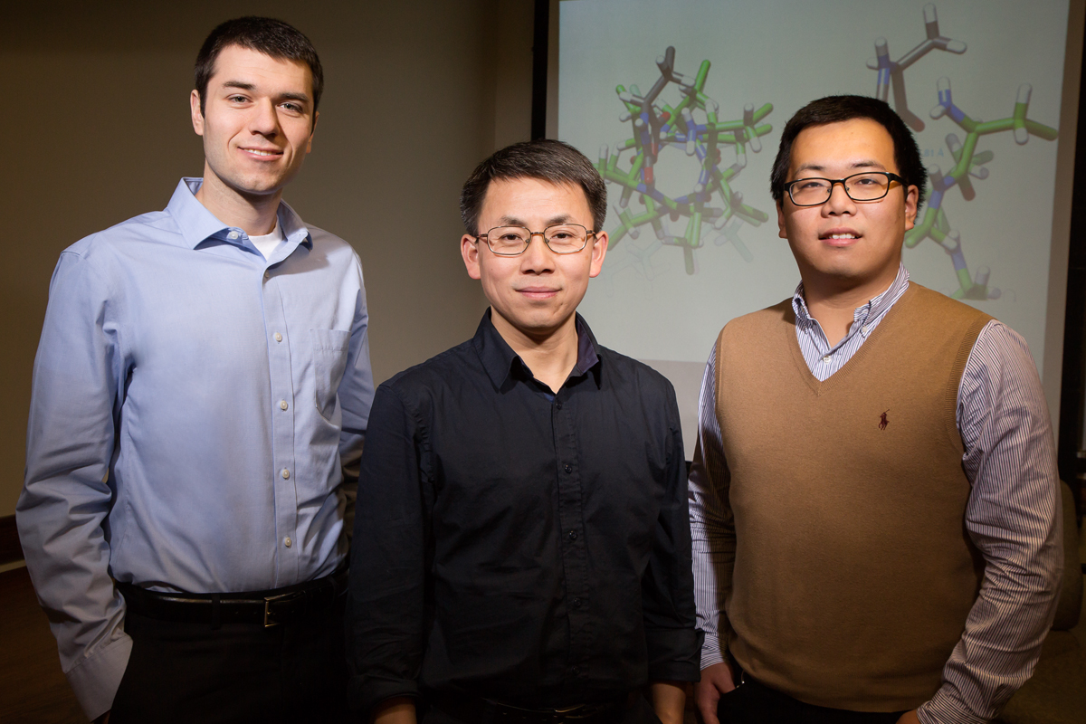 Illinois graduate student Ryan Baumgartner, professor Jianjun Cheng and graduate student Ziyuan Song developed highly branched proteinlike molecules that catalyze their own formation.