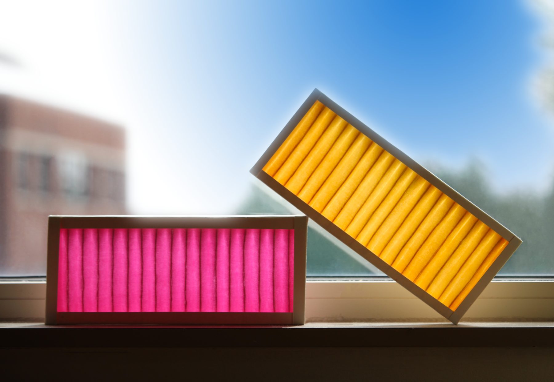 Filters showing a color change (pink) when they are working and yellow when they  are spent