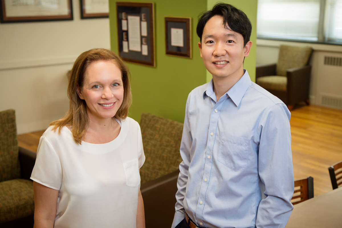 New research by human development and family studies professor Karen Kramer and doctoral researcher Sunjin Pak found that men's and women's psychological well-being is affected differently when their wages and share of their family's income changes.