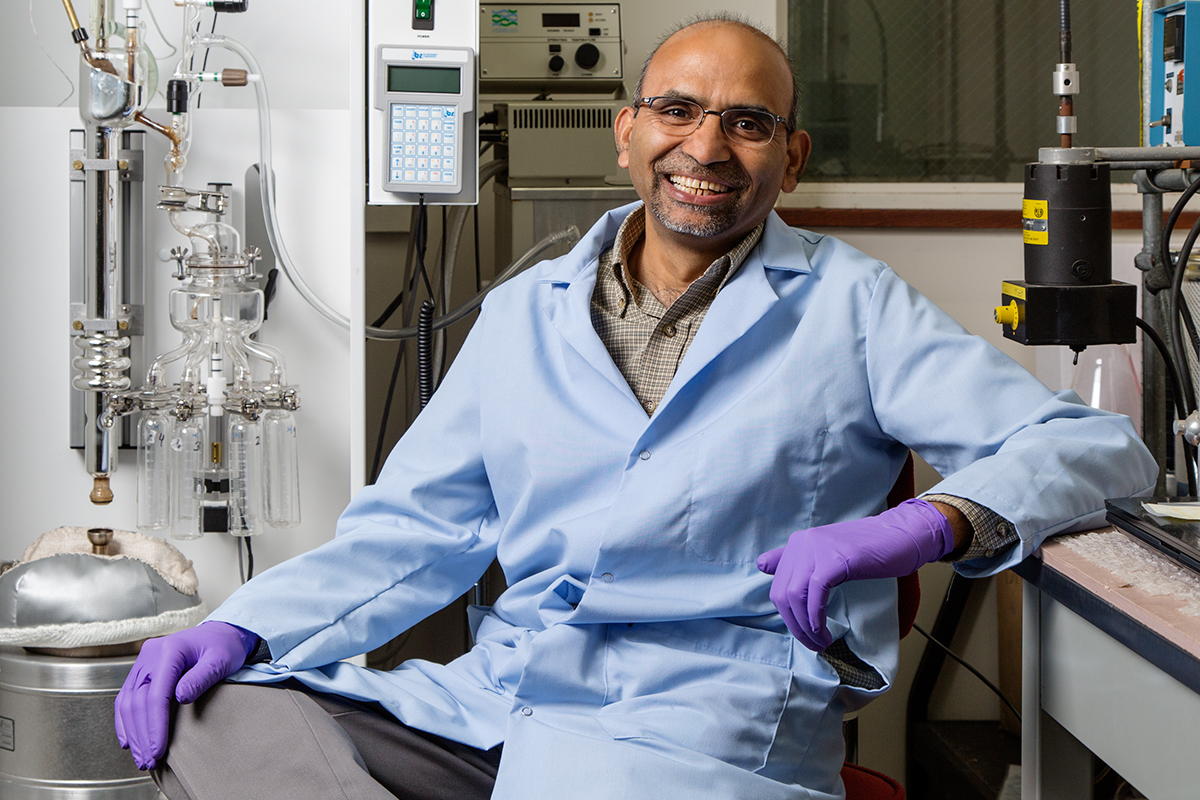 Prairie Research Institute researcher B.K. Sharma and co-authors from the University of Birmingham have collaborated to develop a greener biofuels processing catalyst using waste metals and bacteria.