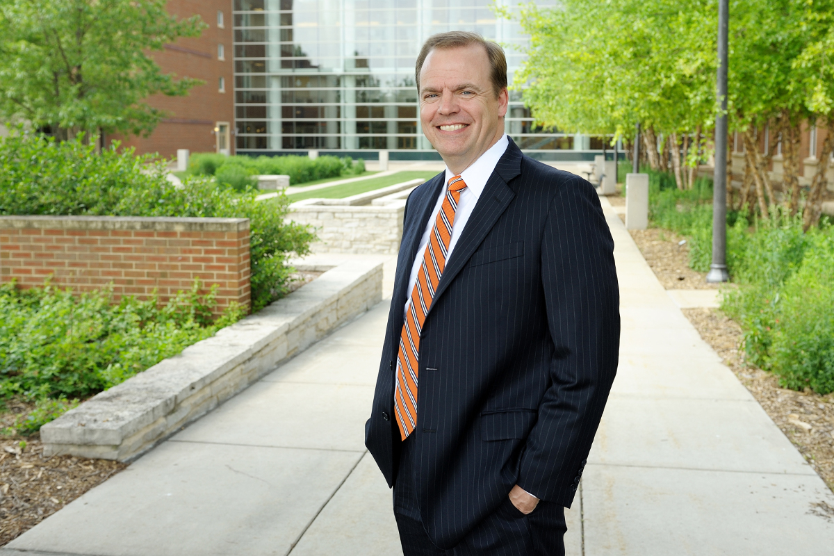 Photo of Jeffrey R. Brown, the Josef and Margot Lakonishok Professor of Business and dean of the College of Business at Illinois.