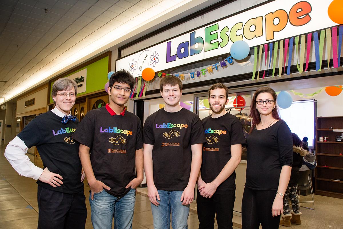 Physics professor Paul Kwiat (left) and his team of undergraduate students: Shaurya Anuj Singhal, Ben Fields, Jack Bernard and Julia Spina.