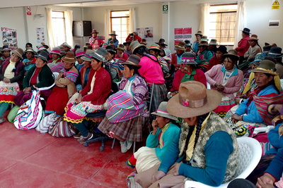 The weavers gather in a community center in Tambo Perccaro.