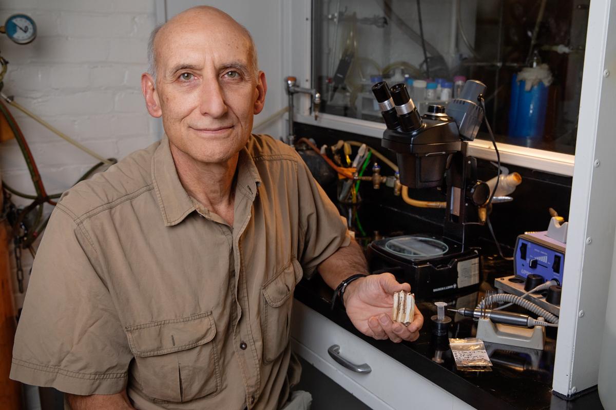 U. of I. anthropology professor Stanley Ambrose