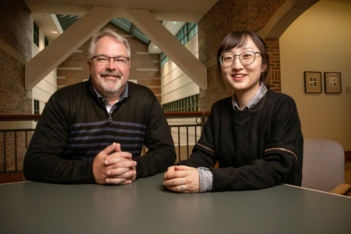 Presenting vocabulary words to students with gestures, even motions that don't convey the meanings of the words, can improve students' comprehension of new words in a foreign language, according to a new study co-written by University of Illinois educational psychology professor Kiel Christianson and graduate student Nayoung Kim.