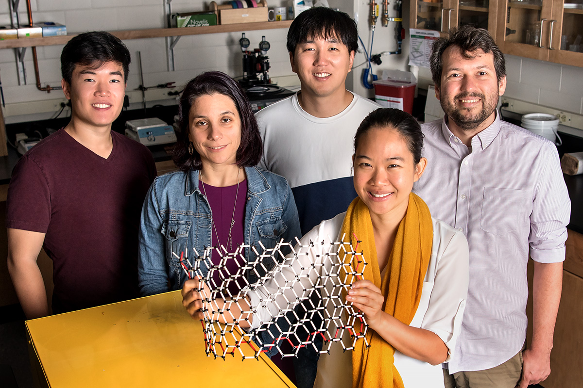 Graduate student Edmund Han, left, professor Elif Ertekin, graduate student Jaehyung Yu, professor Pinshane Y. Huang, front, and professor Arend M. van der Zande have determined how much energy it takes to bend multilayer graphene – a question that has long eluded scientists.